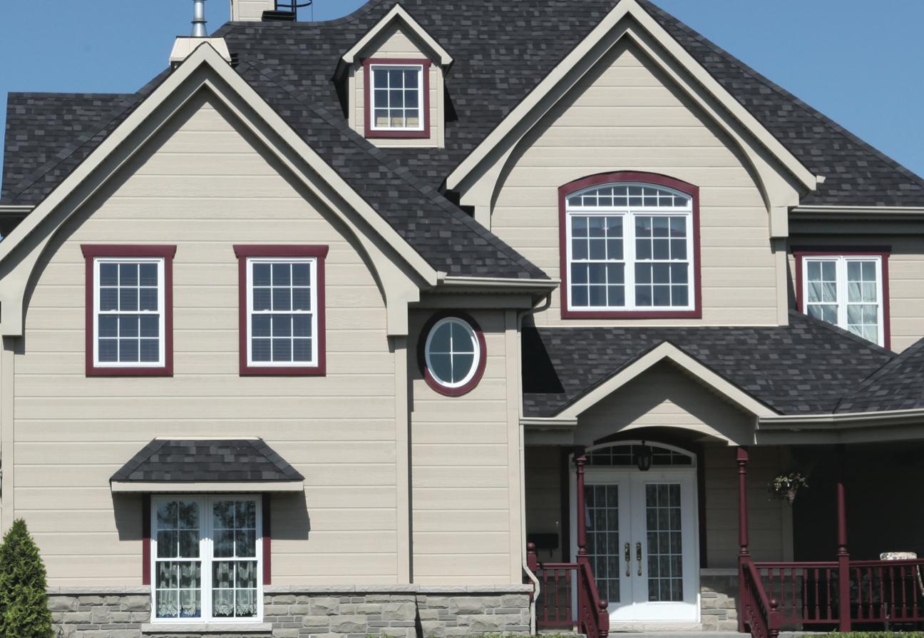 Compl ter le look de votre maison avec les moulures de for Moulure fenetre exterieur